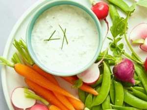 Healthy-Greek-Yogurt-Onion-Dip